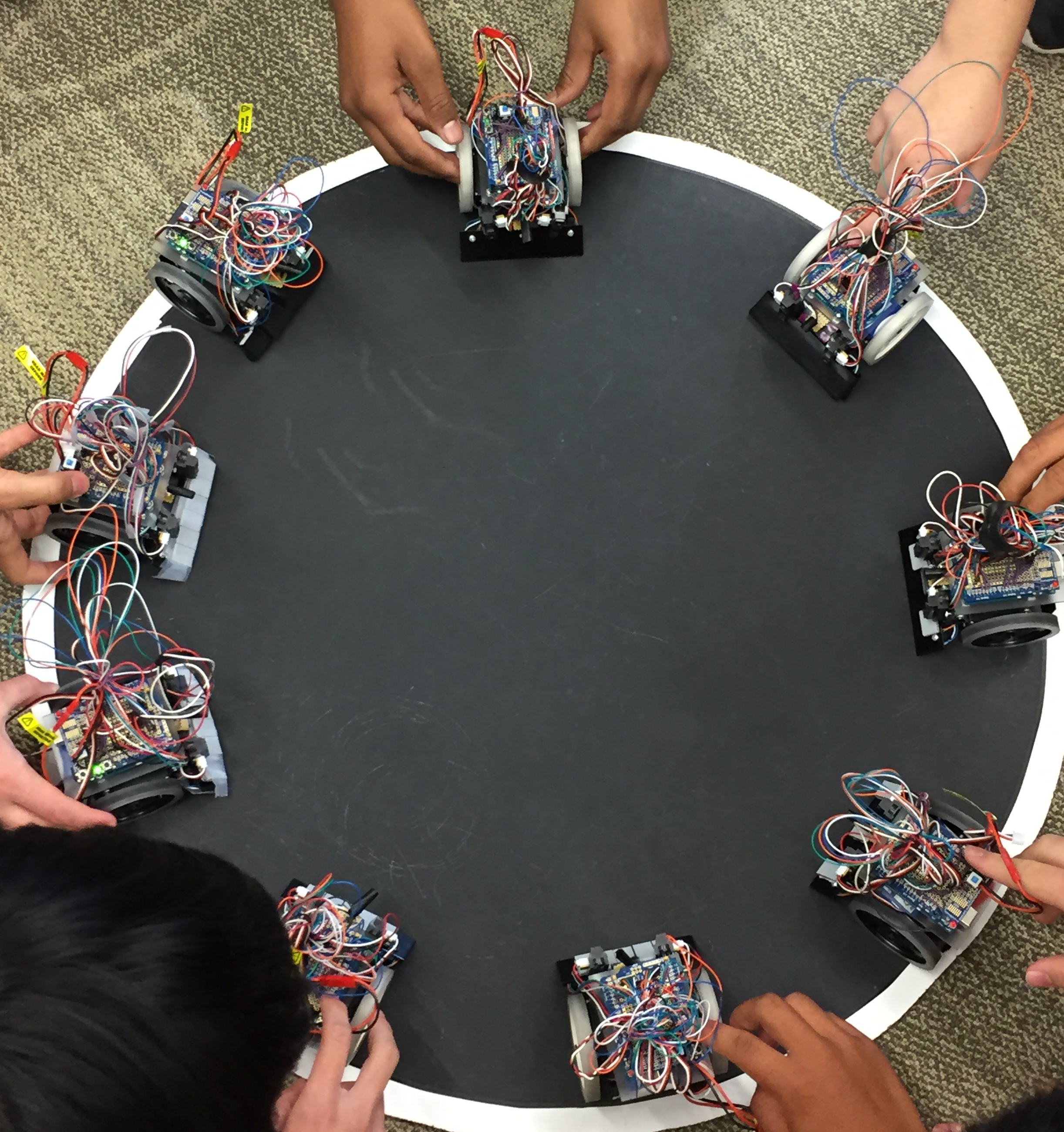 2017 ultimate sumo robots, built in just 1 week, square off in a robot challenge.